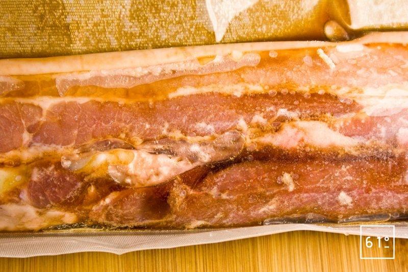 Poitrine de porc mise sous vide avec sa sauce