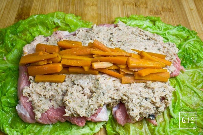 Déposer les bâtonnets de carotte
