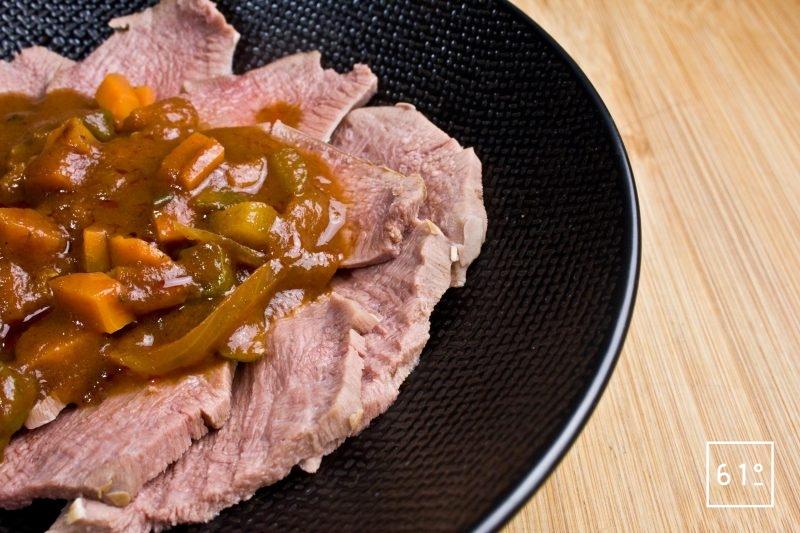 Langue de bœuf en sauce piquante
