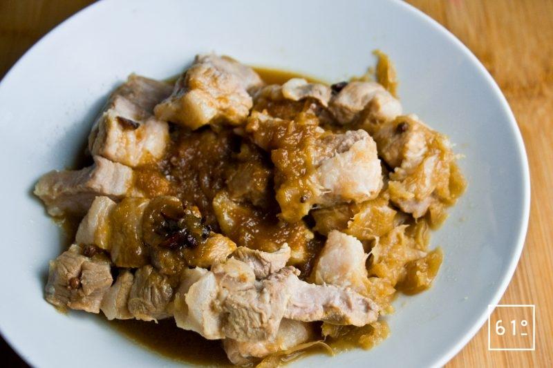 Adobo de poitrine de porc cuit sous vide