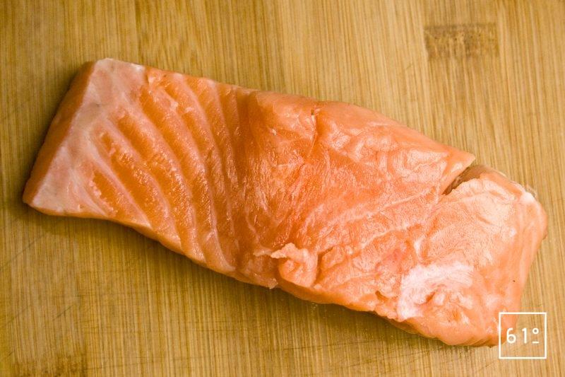 Préparer des pavés de saumon dans les filets