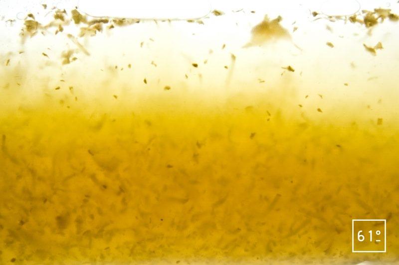 Laisser infuser sous vide le gingembre râpé dans l'alcool