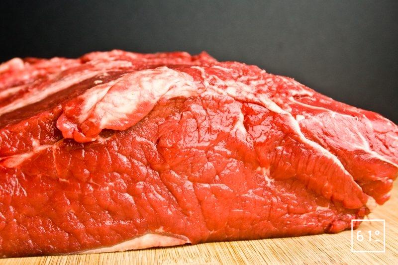 Morceau de bœuf à cuire à basse température sous vide pendant 48 h