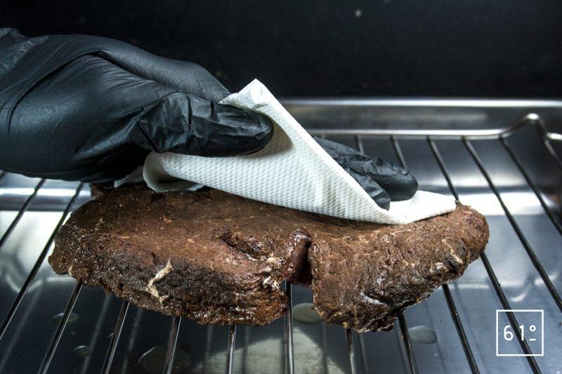 Éponger la viande bœuf