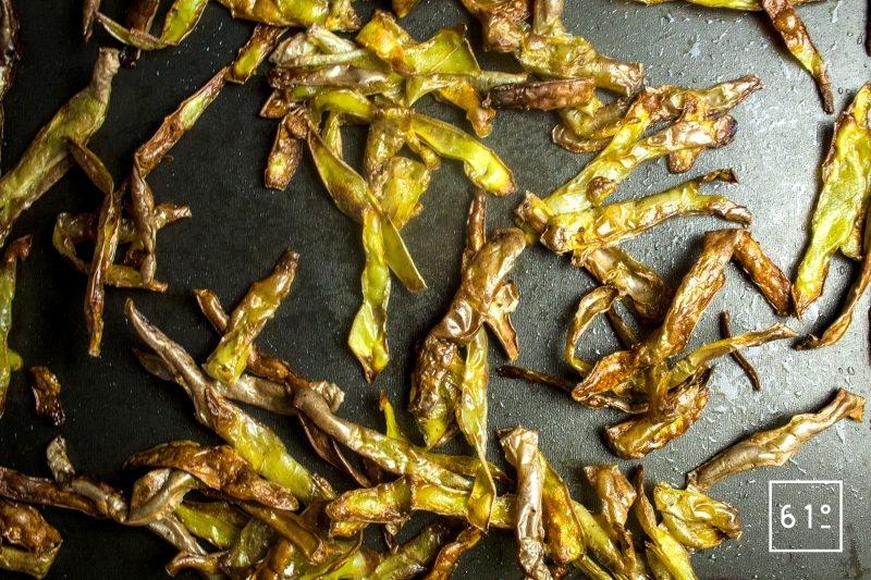 Frire les épluchures de pommes de terre au four
