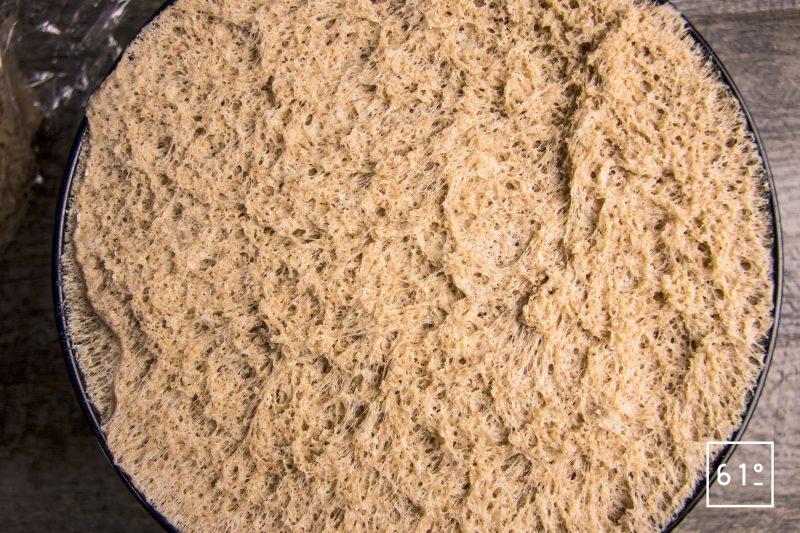 Laisser pousser la pâte à pain de mie jusqu'à son doublage de volume
