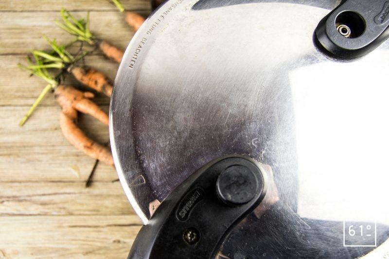 Fermer la cocotte minute et laisser cuire 25 minutes