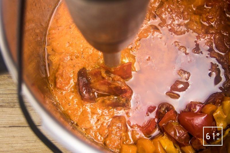 Mixer la sauce