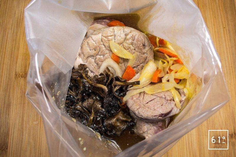 Mettre sous vide la blanquette de veau à cuire