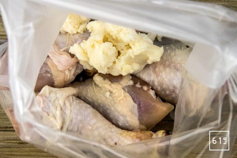 Pilons de poulet cuit sous vide à la graisse de canard - mettre sous vide