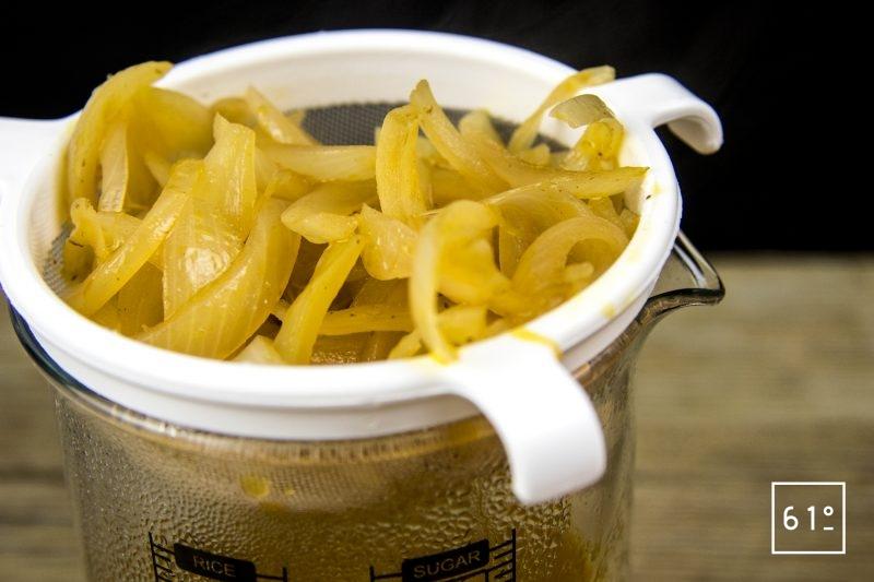 Canard à l'orange avec sa sauce émulsifiée au siphon - filtrer la sauce