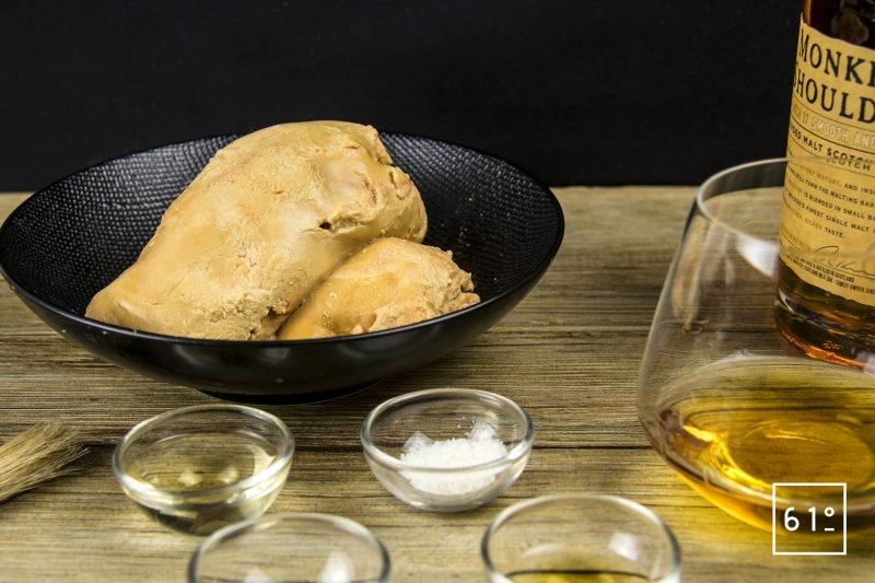 Foie gras mi-cuit au coteaux du Layon et whisky - mélanger le sel, le vin, le whisky et le sucre