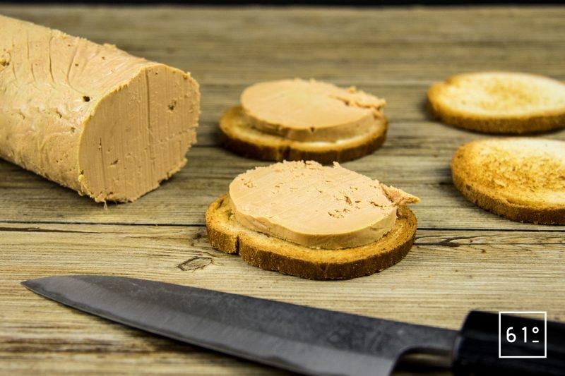 Foie gras mi-cuit au coteaux du Layon et whisky - servir sur des toasts