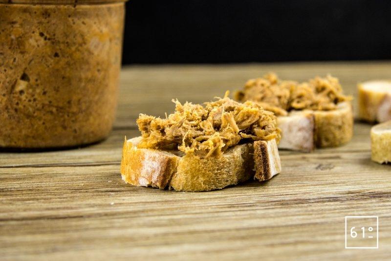 Rillettes de porc au Coteaux du Layon et paprika - servir sur du pain accompagné d'un Coteaux du Layon