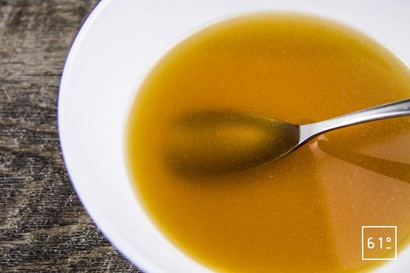 Bouillon de jambon gélifié préparé sous pression