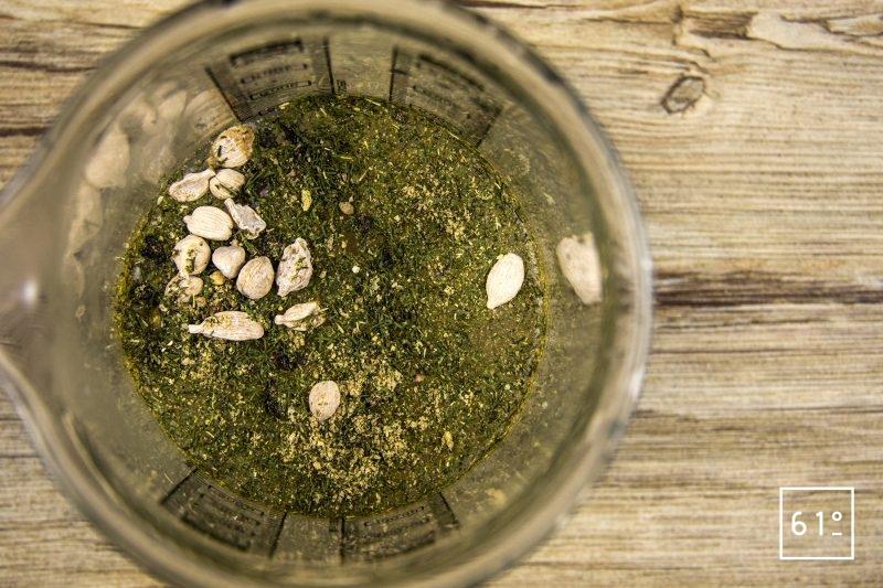 Noix de St Jacques à la cardamone et aux poireaux - mélanger les épices