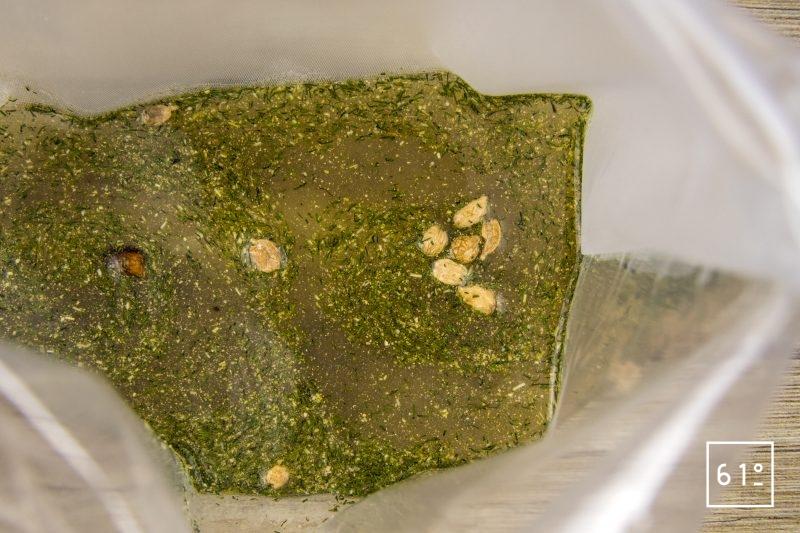 Noix de St Jacques à la cardamone et aux poireaux - mettre sous vide les épices