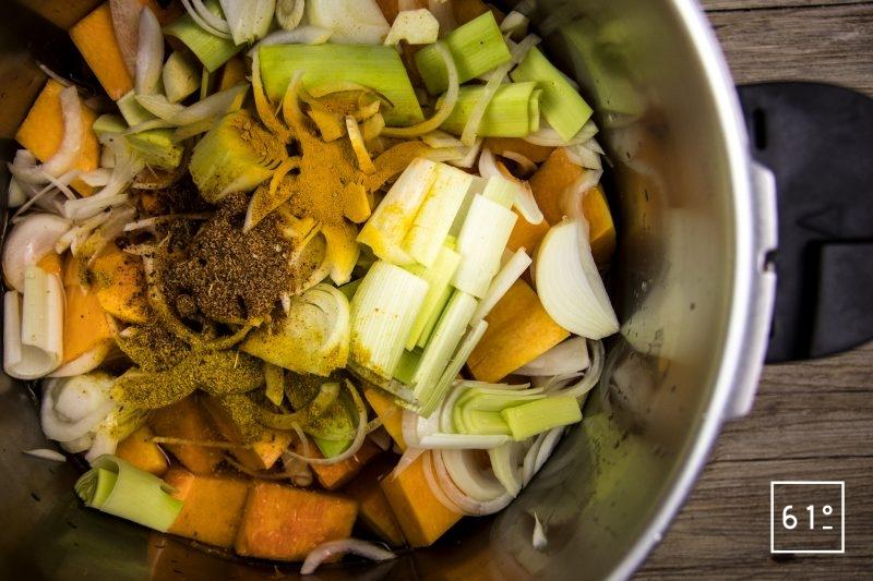 Soupe de courge musqué - réunir les ingrédients
