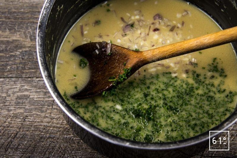 Jambon persillé sans nitrite ou nitrate - ajouter le reste d'échalotes et le persil haché