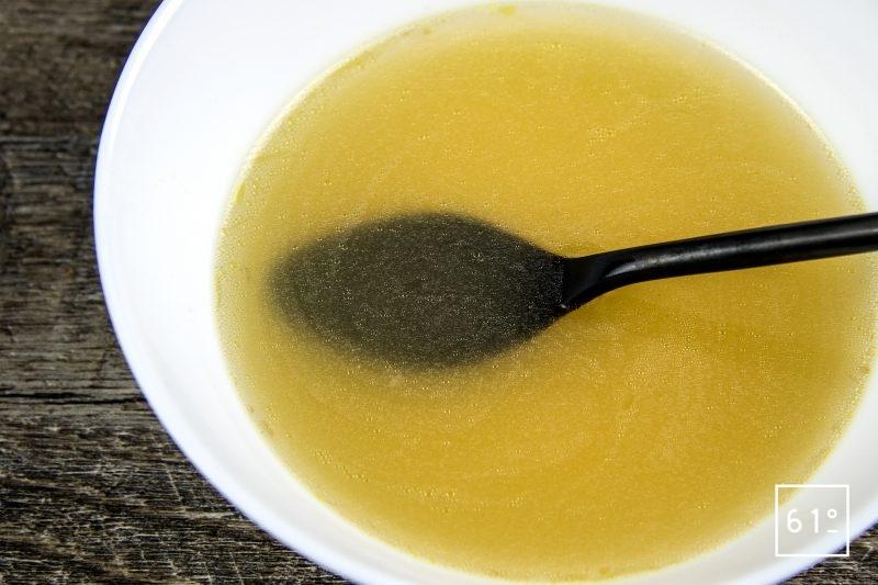 Bouillon d'asperge préparé sous pression
