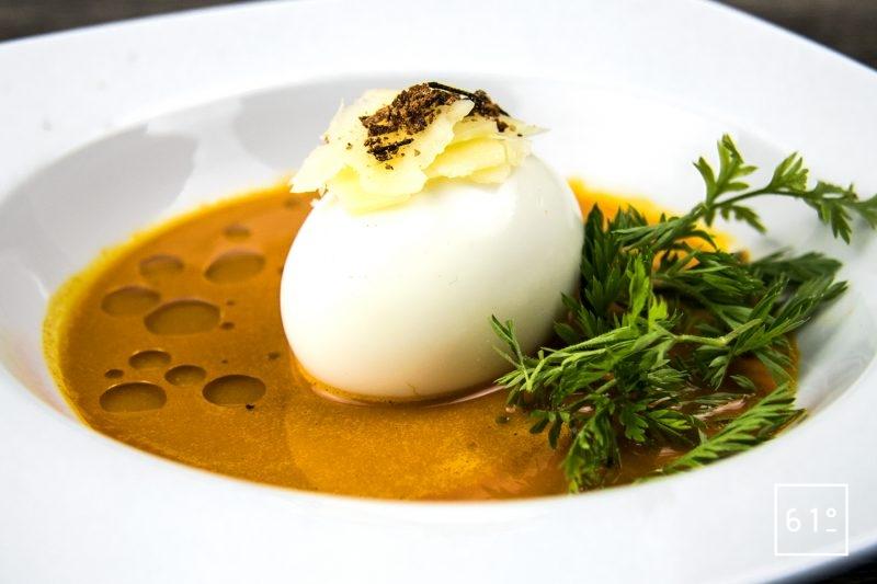 Œuf mollet avec sa sauce au chorizo et jus de carotte