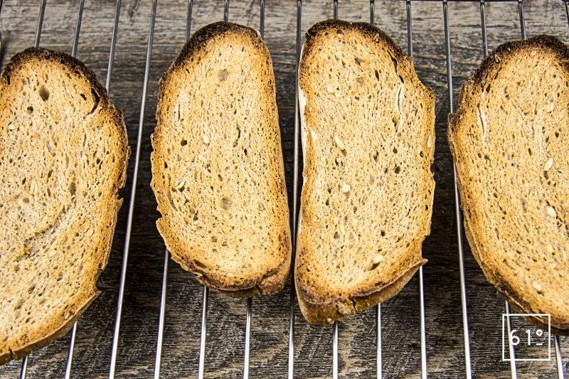 Tartine de poulet au épinard et cancoillotte - griller le pain