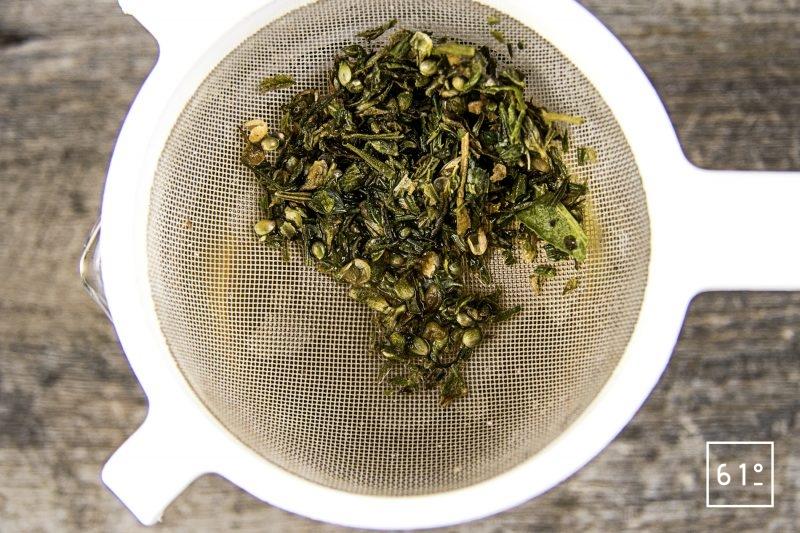 Thé au chanvre - filtrer