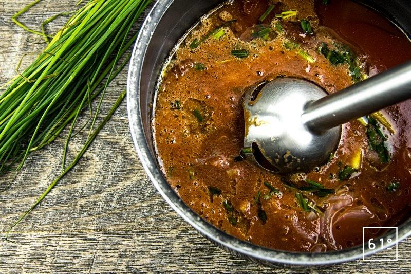 Gaspacho de tomate et de carotte - mixer les ingrédients
