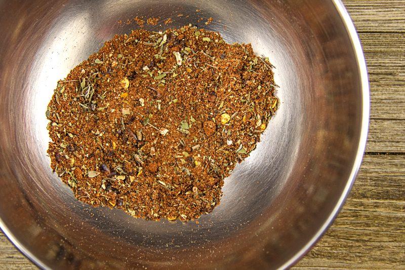 Harengs marinés façon tex mex - mélanger les épices