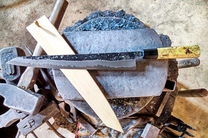 Yanick Puig forgeron couteau japonais sur mesure
