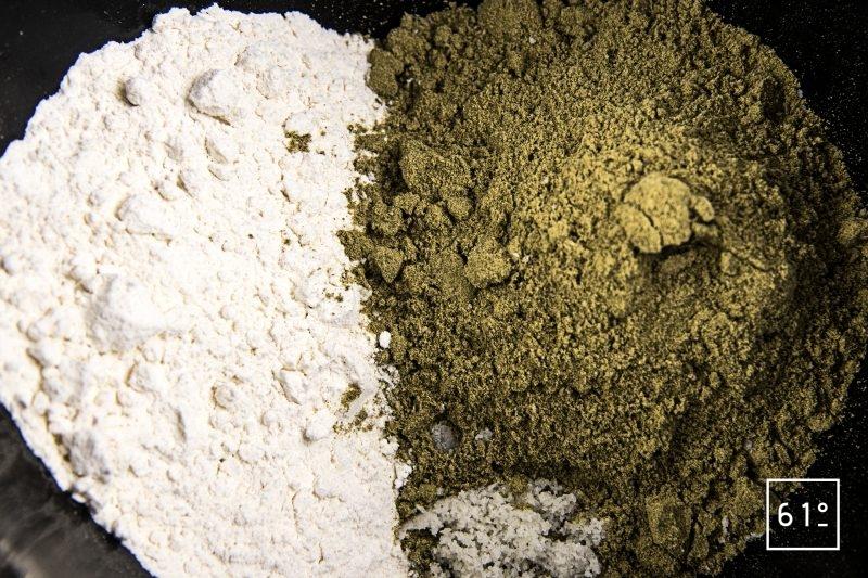 Crêpes à la farine de chanvre - rassembler les ingrédients solides