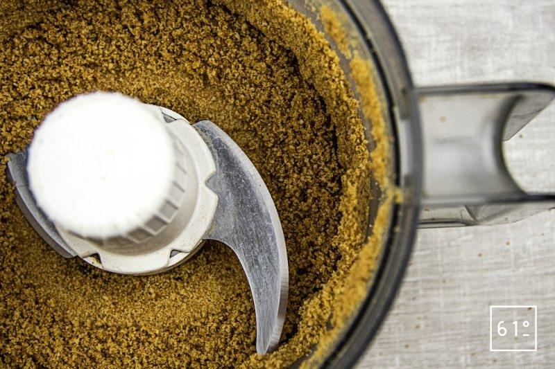 Cromesqui accompagné de carotte - réduire en poudre la brioche déshydratée