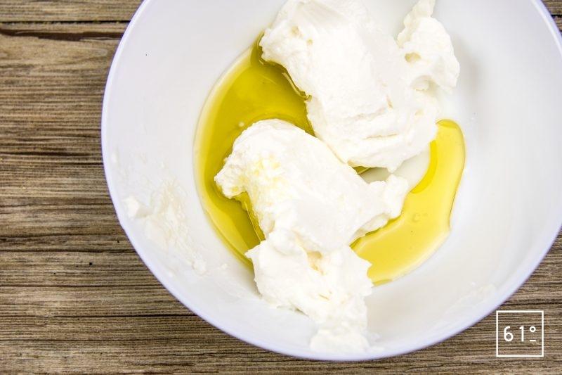Entrée melon jambon revisitée - préparer la mousse d'huile olive au basilic
