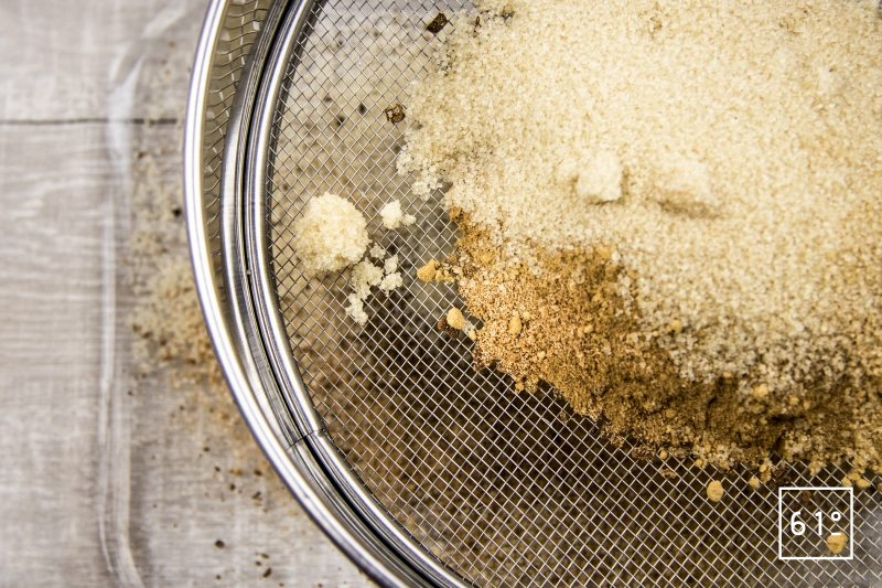 Huître au Cava - passer au tamis le mélange d'épices
