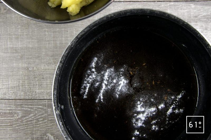 Hachis parmentier - ajouter la gomme au bouillon