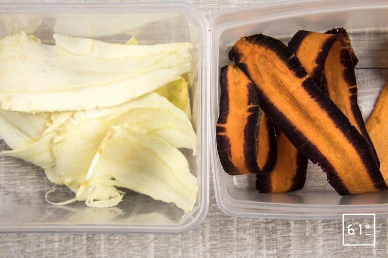Noix d'entrecôte de Black Angus et ses accompagnements de saison carottes violettes, jaunes, oranges, blanches, patates douces, panais et bouillon d'oignon et de kombu - faire des tranches des différents légumes