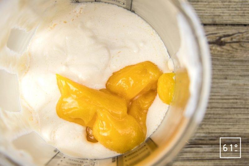 Saumon confit flamme - ajouter les jaunes d'œuf pasteurisés