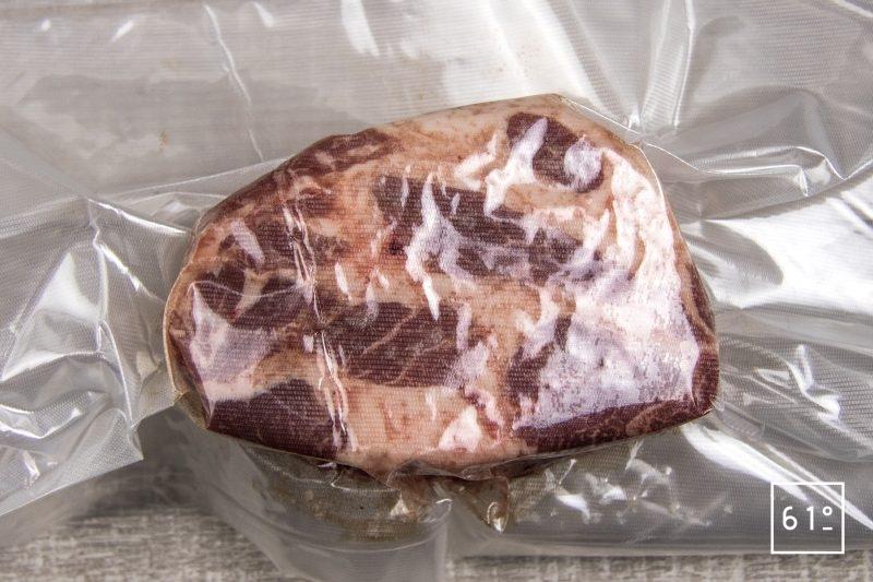 Porc noir de Bigorre en petit salé sur lit de lentilles - mettre sous vide