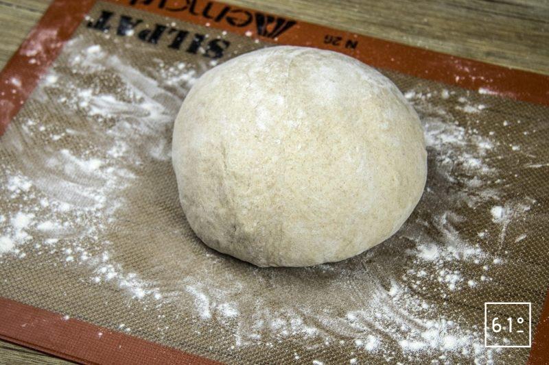 Pain au cidre - former une boule