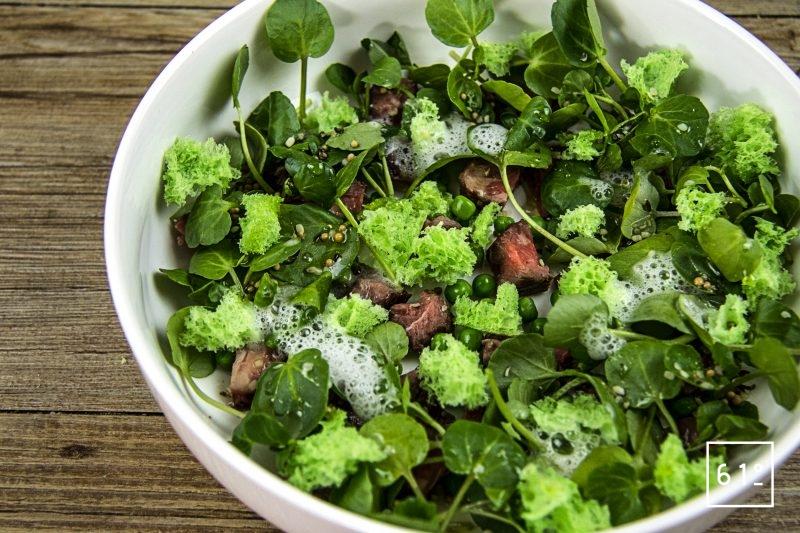 Salade de cresson de fontaine et de Simmental cuite à basse température