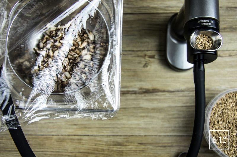 Tartare de Wagyu à la morille et au fruit de la passion - fumer les champignons