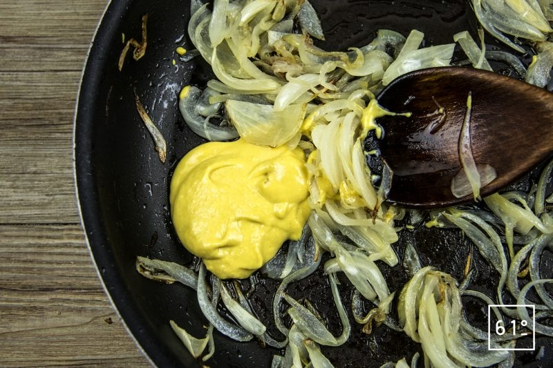 Wagyu façon carbonnade Flamande - ajouter la moutarde