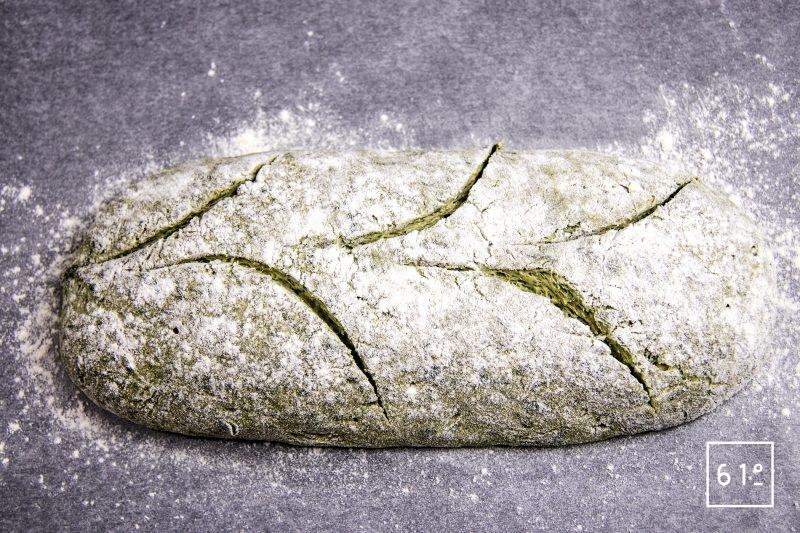 Pain maison à l'ail des ours - grigner le pain