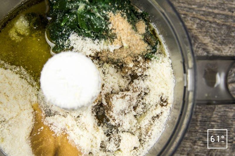 Pesto à l'ail des ours et au miso blanc - rassembler les ingrédients