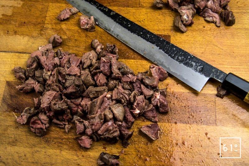Wrap au chevreuil - découper la viande de chevreuil