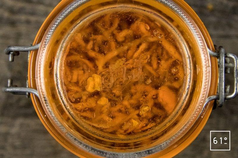 Carottes lactofermentées au pimenton de la Vera et au sel au safran - laisser fermenter