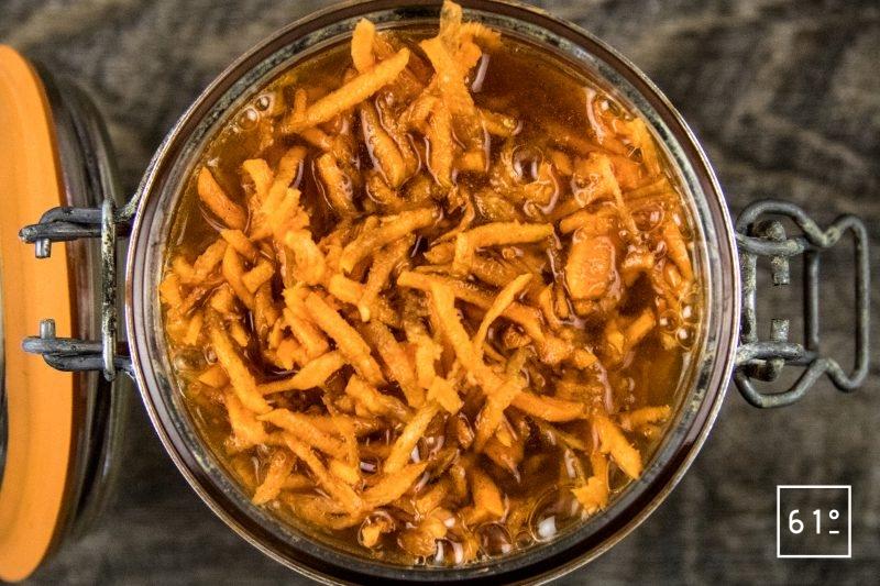 Carottes lactofermentées au pimenton de la Vera et au sel au safran - ajouter la saumure