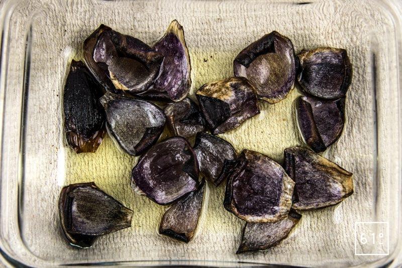 Entrecôte de Black Pearl cuite sosu vide à basse température et son laquage aux fruits rouges - oignons rôtis