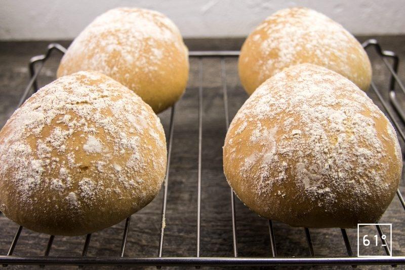 Pain du Lancashire - déposer sur une grille après cuisson