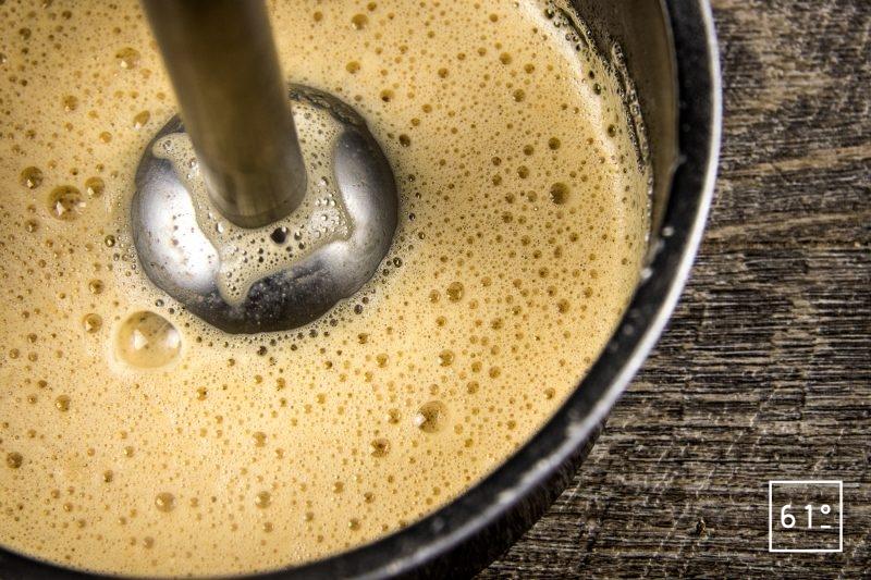 Soupe d'oursin dans sa coque de pomelo - mixer